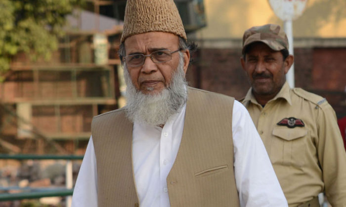 Former Jamaat-e-Islami chief Syed Munawar Hassan has died in Pakistan. He was 78 years old. He had been ill for some time and was undergoing treatment at a hospital in Karachi. Syed Munawar Hassan was born on August 5, 1941, in Delhi. He was also a member of the National Assembly of Pakistan. Syed Munawar Hassan was the fourth Amir of Jamaat-e-Islami.